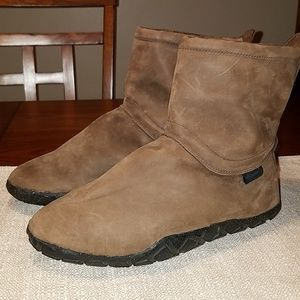 NIKE AIR Leather Boots